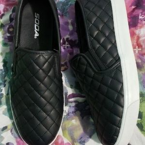 SALE 🎉 SODA faux leather slip ons